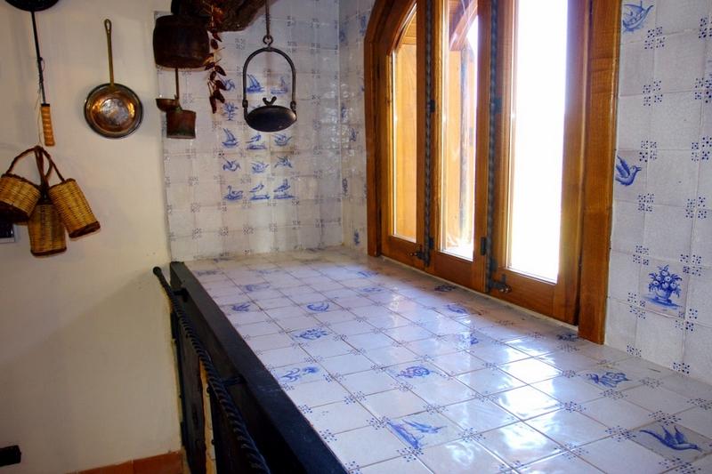Scheda prodotto cucina della nonna ceramiche torcivia srl - Piastrelle vietri cucina ...