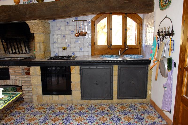 Scheda prodotto cucina della nonna ceramiche torcivia srl for Cucina della nonna