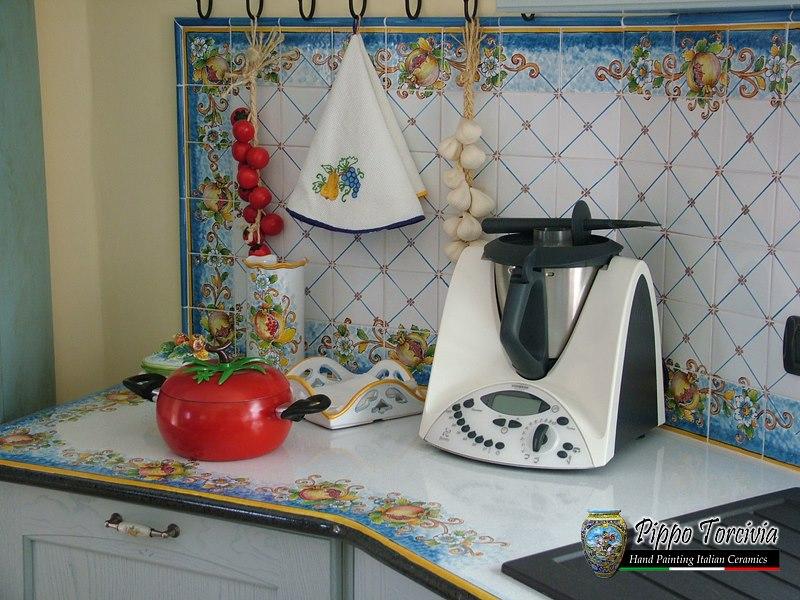 Scheda prodotto cucina provenzale 2 ceramiche torcivia srl for Oggettistica cucina online