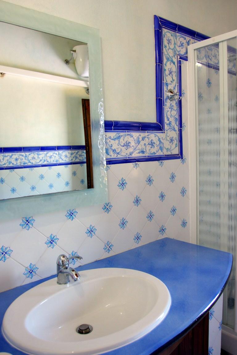 Ceramiche torcivia srl esempi di installazione ed - Mattonelle per bagno ...